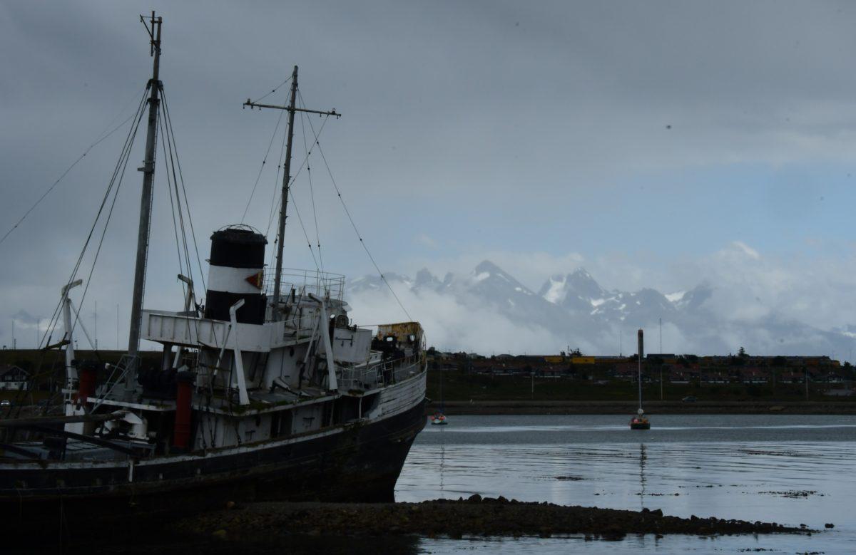 Le vieux navire échoué à Ushuaia